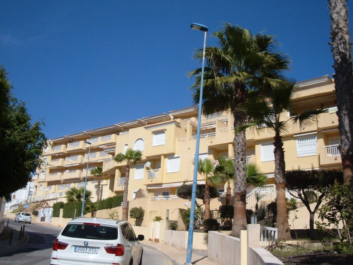 Sunny apartment next to the beach in Campoamor