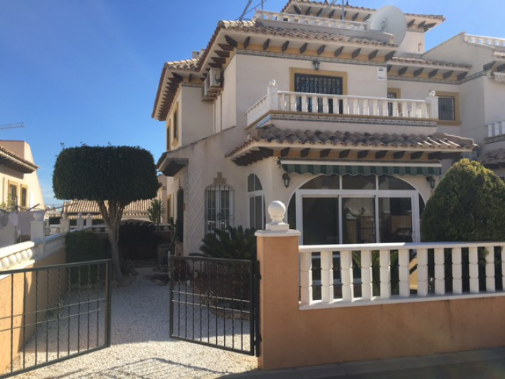 Lovely corner house in Cabo Roig