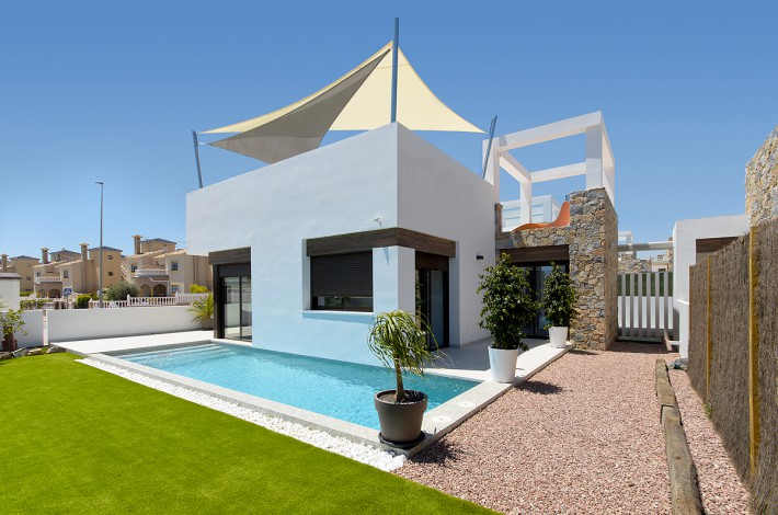 Modern detached houses in Lomas de Cabo Roig
