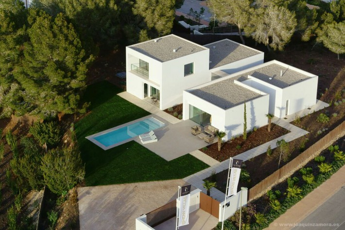 New luxury villa on the golf course