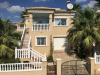 Spacious detached villa with separate apartment in Villamartin