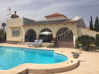 Detached villa with private heated pool in Cabo Roig