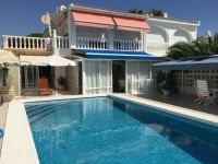 Very well presented villa with separate apartment and private pool in Cabo Roig