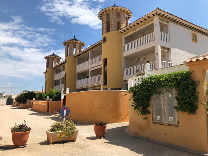 Beautifully presented apartment in Cabo Roig