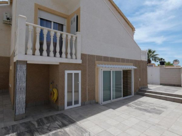 Completely reformed spacious villa on corner plot