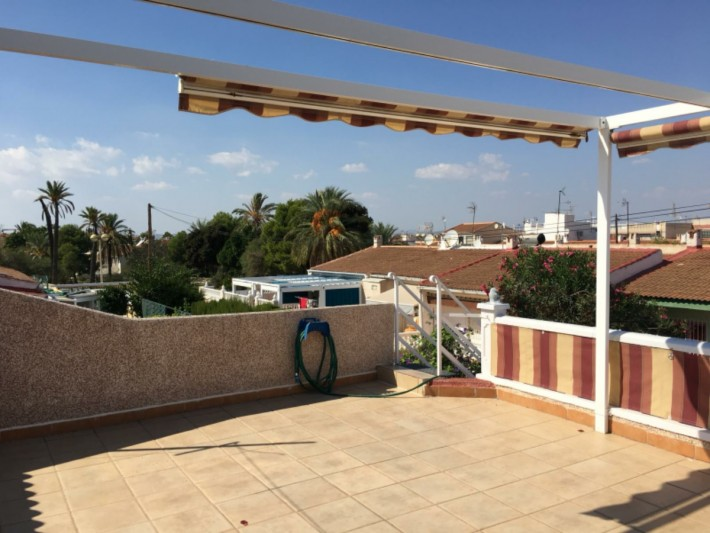 Renovated end-terrace house in Torrevieja