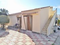 Detached villa on one level on 800m² plot
