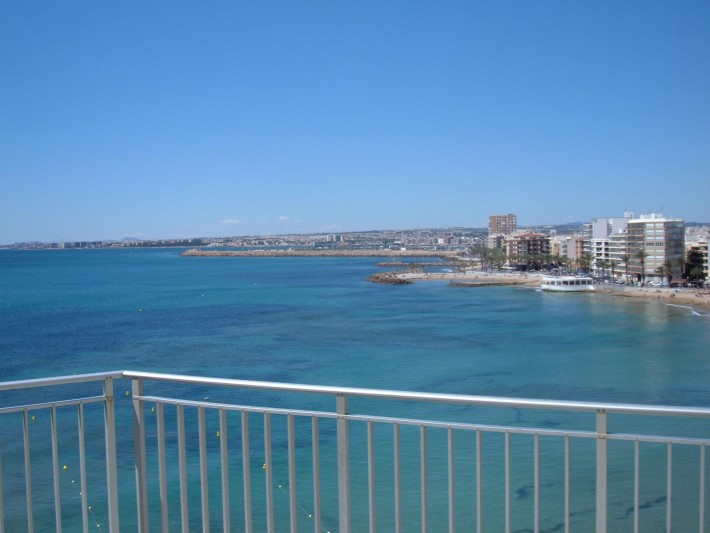Penthouse apartment front line beach with incredible views!