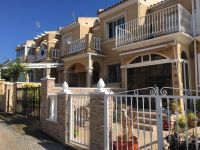 Terraced house with nice community pool in gated complex in Torrevieja